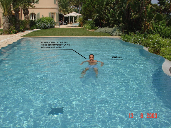 le grand nettoyage de Copé… fallait au moins une grande piscine à débord.
